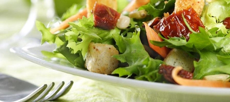 restaurant chateua cazaleres culinaire salade